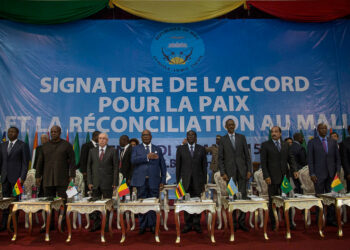 La signature des accords de paix d'Alger