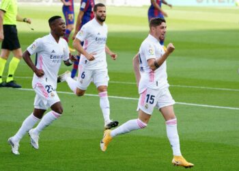 Liga : le Real Madrid domine le FC Barcelone (Video)